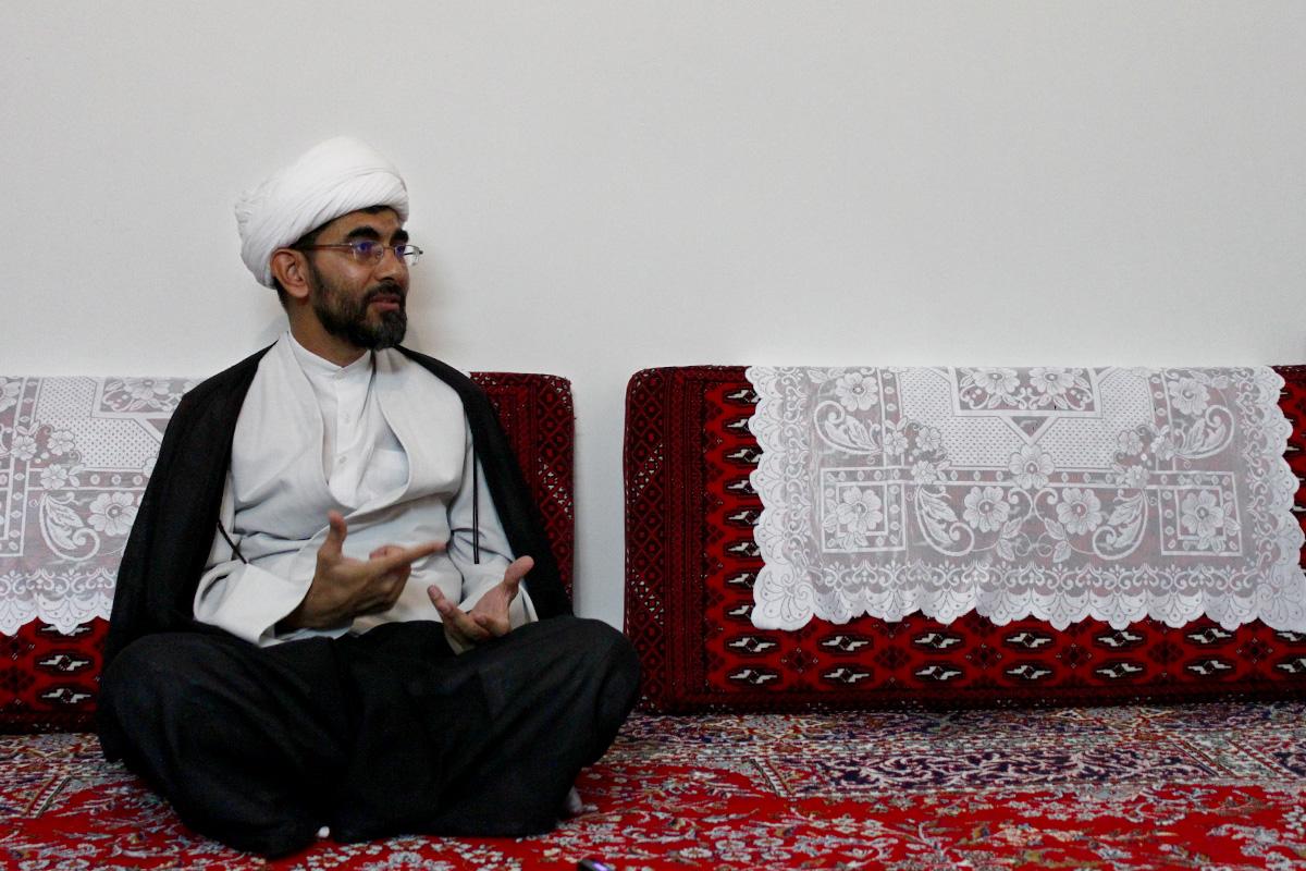 Heidari-sitting