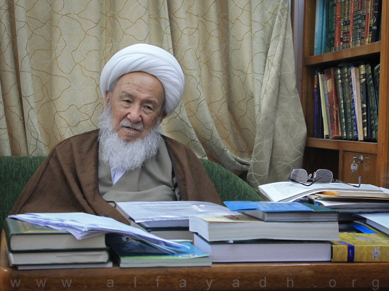 ayatollah-fayaz-at-his-desk