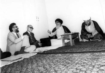 دیدار آیتاللهالعظمی گلپایگانی با مهندس بازرگان، دکتر ابراهیم یزدی و داماد امام خمینی