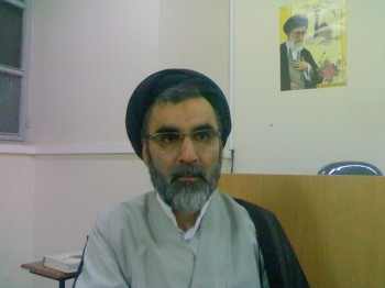 حجت الاسلام دکتر شریعتمداری، عضو هیئت علمی پژوهشگاه فرهنگ و اندیشه اسلامی