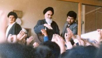 imam-khomeini-returning-to-qom